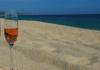 Come è il vino dell'estate? Rosa e spumeggiante!